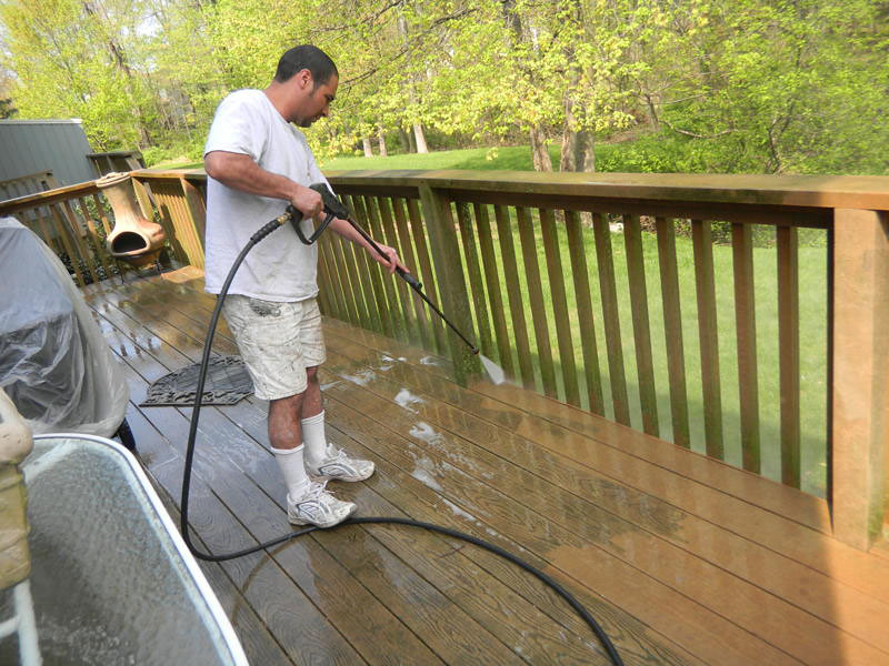 Three Reasons to Hire a Pressure Washer Company Today
